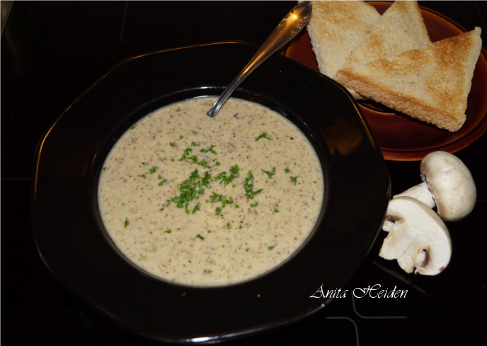 Anitas Champignon-Sahne-Suppe
